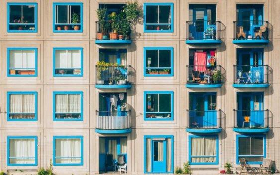 Вместо лыж и покрышек. Балкон в современной новостройке как отражение времени