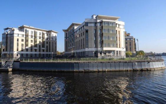 Мало, эксклюзивно и в центре. За что готов платить покупатель дорогого жилья в Петербурге